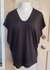 MEDIUM-14-women-VINCE-Nordstrom-short-sleeve-grey-v-neck-short-sleeve-shirt
