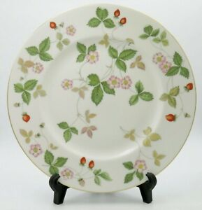 Wild Strawberry Bone China Dinner Plate