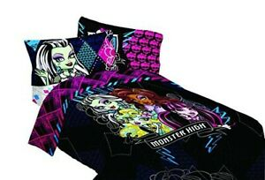 Girls-Twin-Comforter-Mattel-Monster-High-My-BFF-Crew-Reversible-64-by-86-Inch