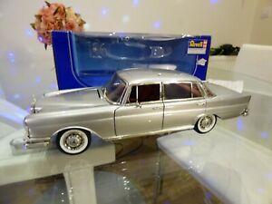 REVELL-1-18-RARE-1964-MERCEDES-220SE-W112-argent-avec-interieur-rouge-Voiture-jouet-modele