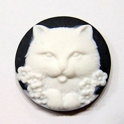 6 of 29 mm Round Kitty Cat Cameos with Tongue Sticking Out, White over Black