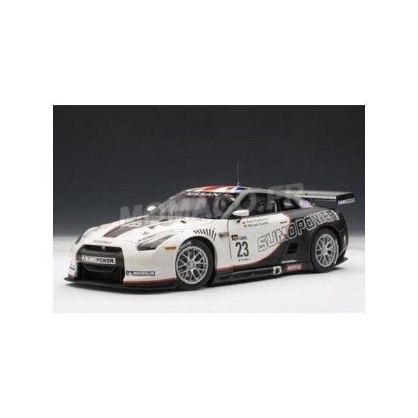 NISSAN GT-R FIA GT WORLD CHAMPIONSHIP 2010  AUTOart     1 18