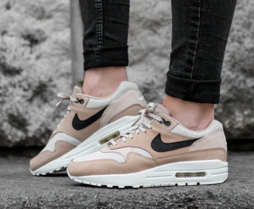 NIKE WMNS AIR MAX 1 PINNACLE SZ  WMNS 8.5