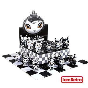 Shah Mat Otto Bjornik Nouvelle collection d'échecs Dunny Chess Series par Kidrobot