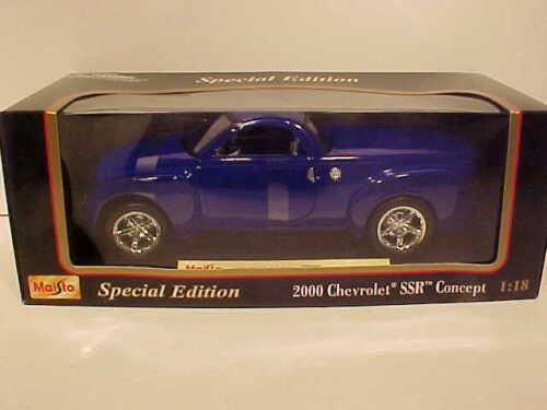 2000 Chevy SSR Pickup Truck Die-cast Car 1:18 Maisto 9 inches Purple Blue