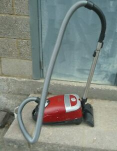 Details about Miele Cat & Dog Turbo 5000 2200w Vacuum Cleaner with Extending Wand