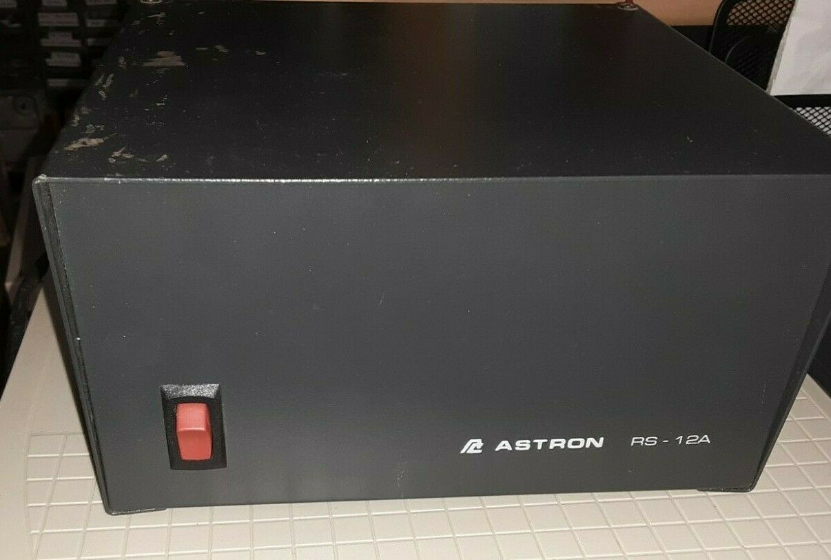 Used #552r  Power Supply, Astron RS-12A , For Ham Radios & others, 13.8 Volt DC .