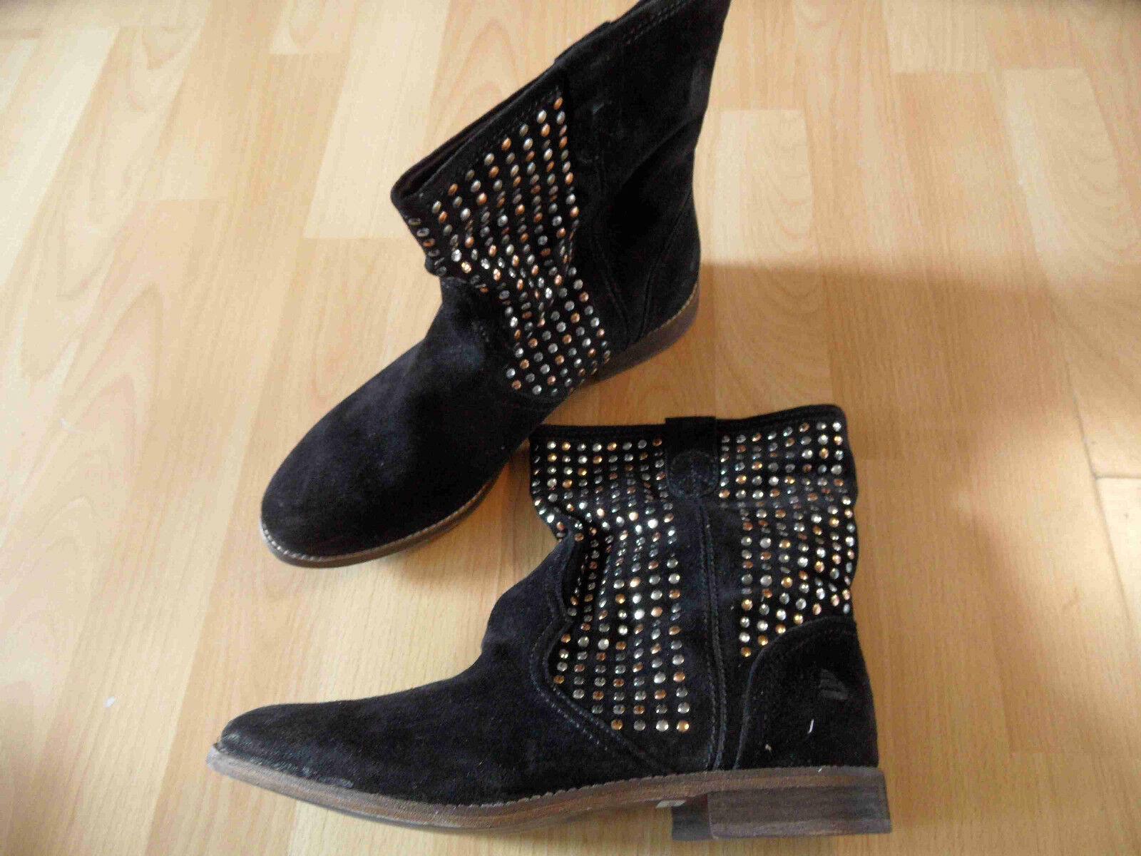 Zapatos especiales con descuento BULLBOXER tolle Stiefeltte mit Nieten schwarz Gr. 36 o. 42 ( kleiner ) NEU