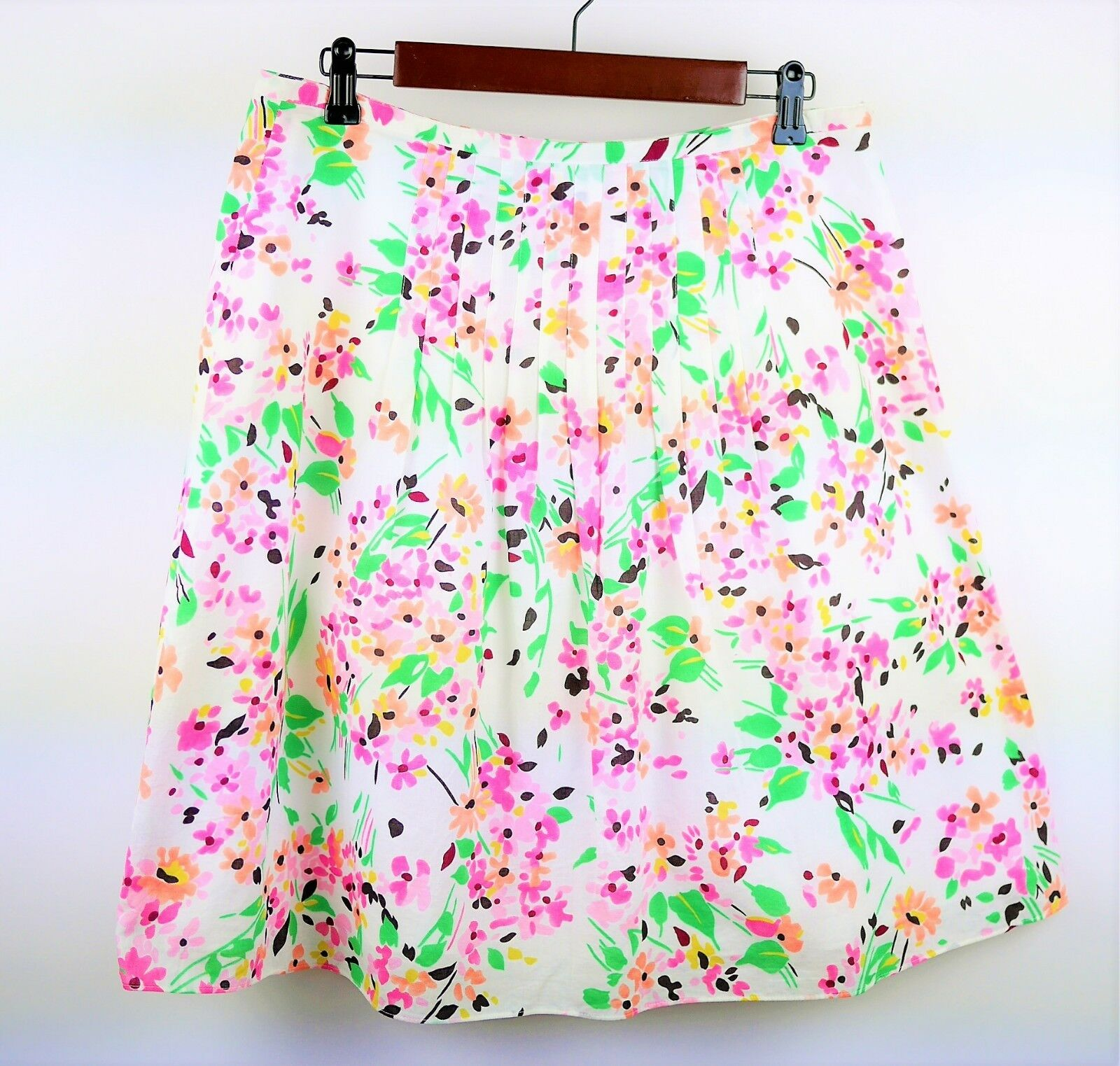 TALBOTS Size 12 P - WHITE PINK & GREEN FLORAL PLEATED FLARE SKIRT - Knee Length