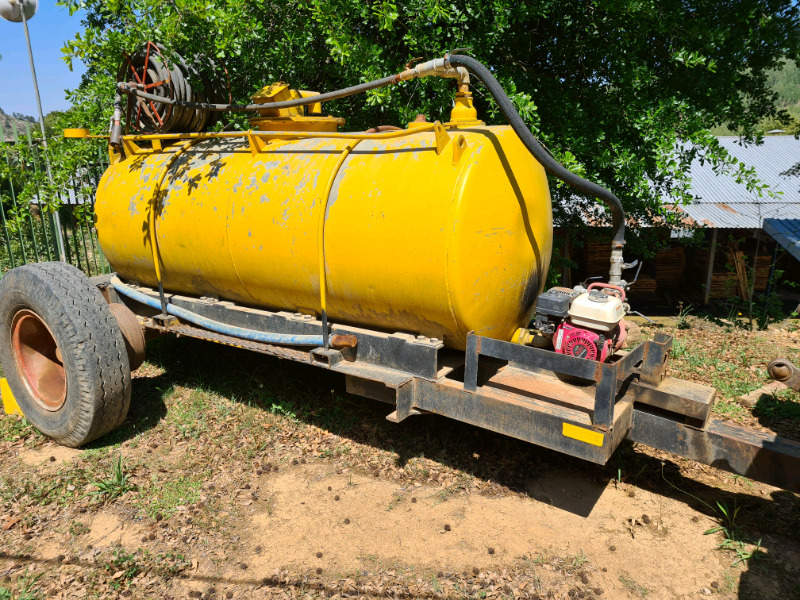 3000lt galv steel tank water cart