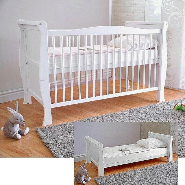 Babybett Gitterbett Kinderbett Komplet Set 70x140 Schublade MASSIV Umbaubar NEU