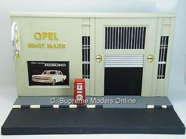 GARAGE FORECOURT DIORAMA MODEL OPEL ERNST MAIER RESIN ISSUE GAS PUMP K8967Q