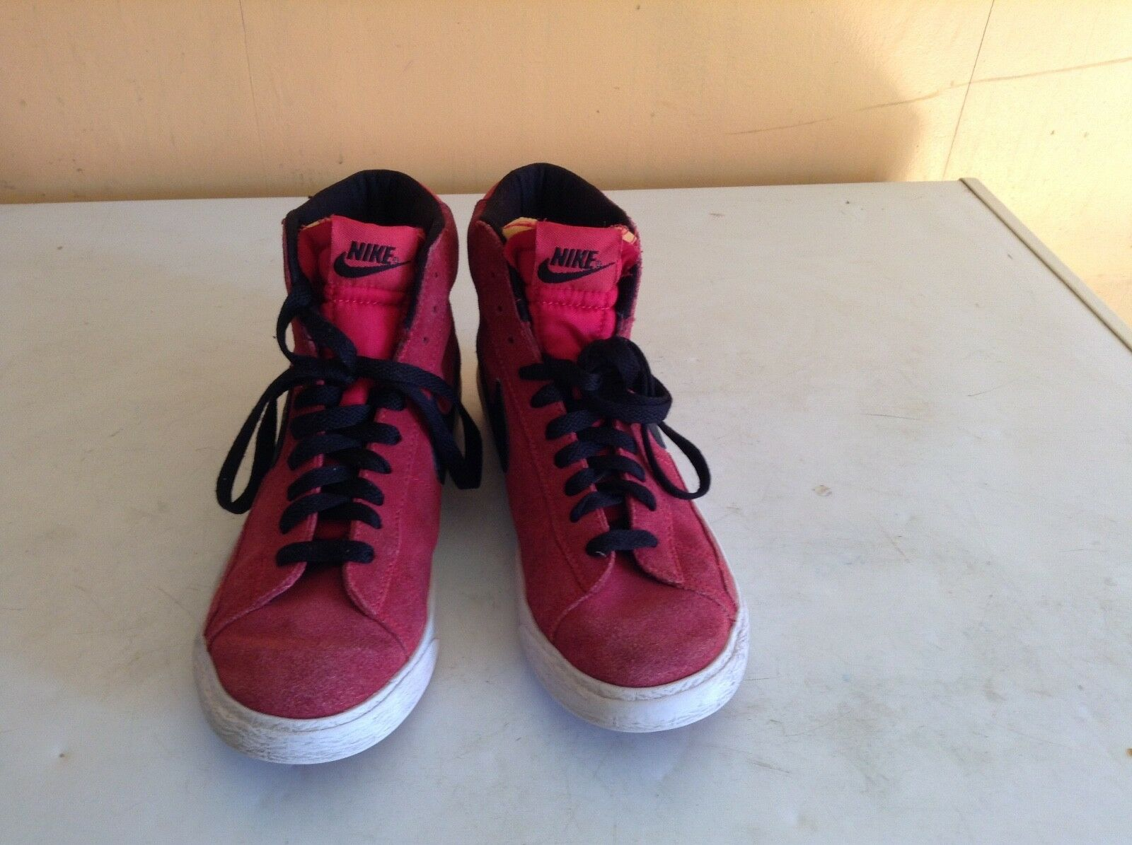 red & black nike high top blazer trainers in size 4 New shoes for men and women, limited time discount