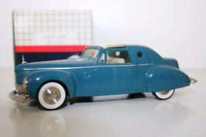 Century-Modelos-1-43-CEN2013-Azul-1946-Lincoln-despide