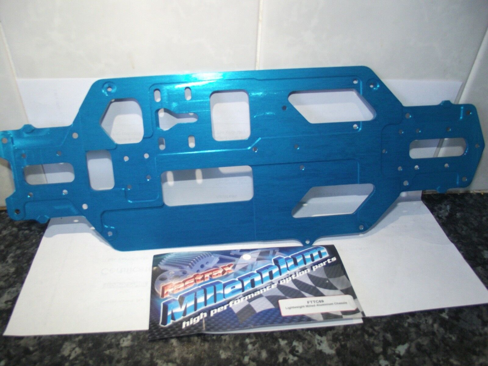 Fastrax fttc69 Lightweight Milled Aluminium Chassis bluee 1pc
