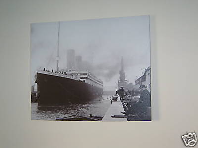 Titanic Ship in dockyard  Large Nautical Canvas Picture in Black /& White