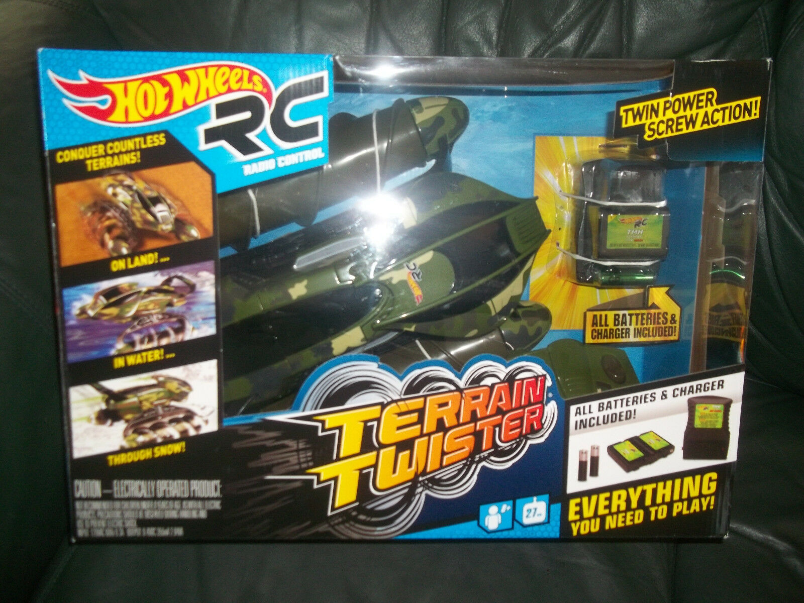 New Hot Wheels Radio Control Terrain Twister Land & Water RC Remote camo