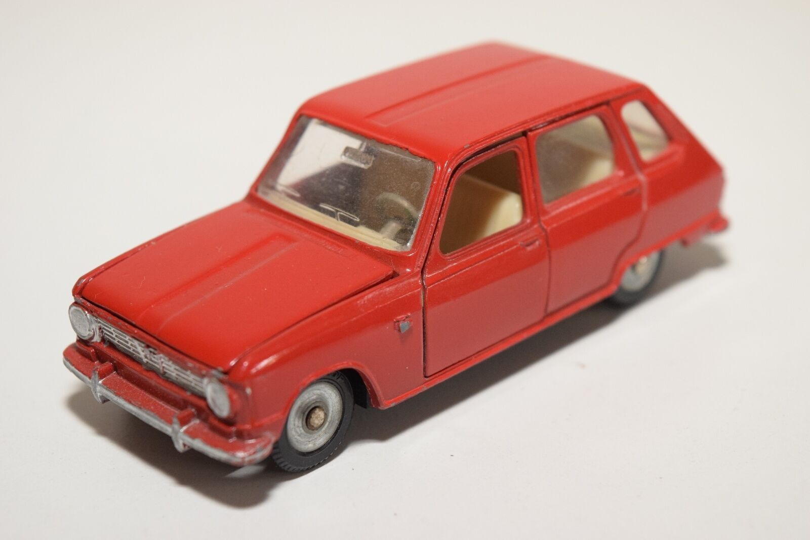 F DINKY TOYS 1416 RENAULT 6 rosso NEAR MINT CONDITION