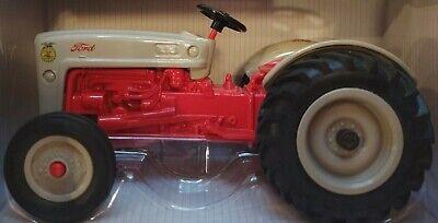 ERTL 1//16 Ford NAA FFA Tractor