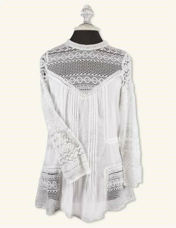 Victorian Trading Co Amelie Lace Button Back Blouse Weiß S M