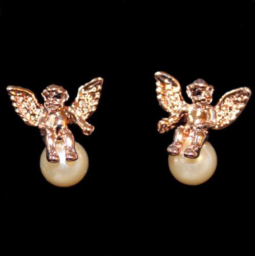 roségoldfarbenes Metall Entzückende Ohrstecker Engel auf Perle sitzend