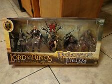 2005 TOY BIZ--LORD OF THE RINGS--PELENNOR FIELDS GIFT PACK (NEW)