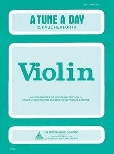 A Tune A Day Violin Book 2 Book 014034236 Neuf-afficher Le Titre D'origine Cadeau IdéAl Pour Toutes Les Occasions