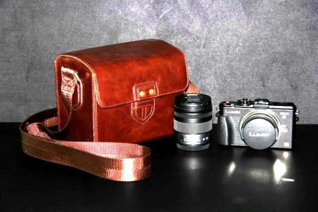 Coffee brown leather case bag for Leica X (Typ 113) or M Edition 60 with 2 lens