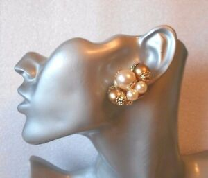 lovely faux pearl and gold trim clip on earrings chunky
