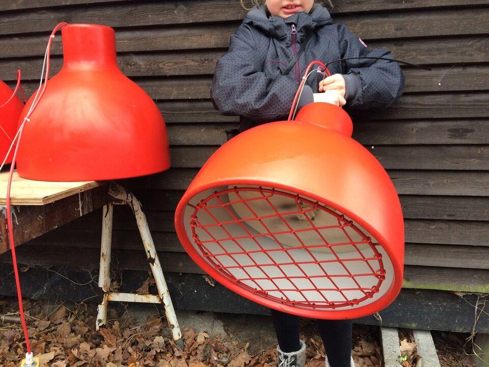 Anden loftslampe, Dansk