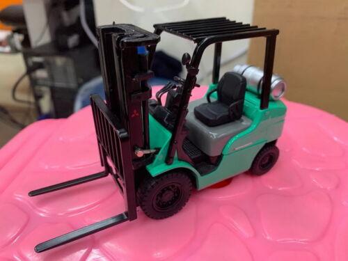 Diecast Masters 1//25 FG25N Mitsubishi Forklift Truck Diecast Model Toy 80012