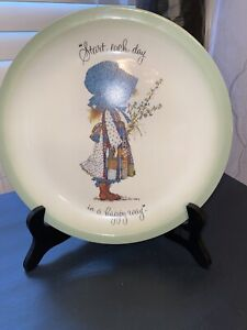Holly-Hobbie-Vintage-Plate-Start-Each-Day-In-A-Happy-Way-Collector-s-Edition