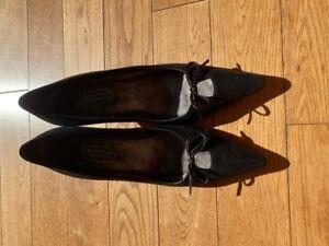 Talbots Womens Pump Shoes Black Leather Kitten Heels Pointed Toe Slip On 7.5M