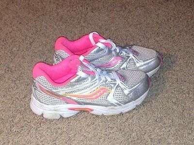 Girls SAUCONY Gray/Pink Tennis Shoes Sneakers - Size: 3.5 Youth