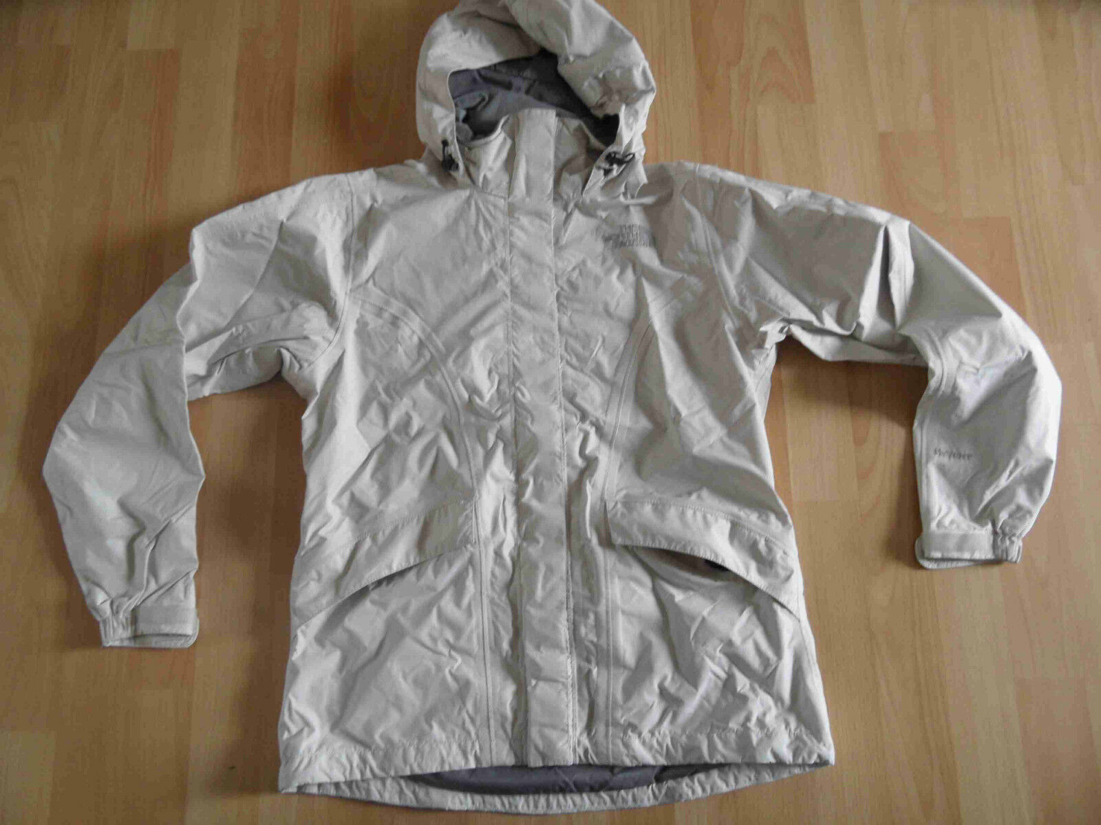 THE NORTH FACE HYVENT Funktionsjacke Wetterjacke creme Gr. XS NEUw.  KY3