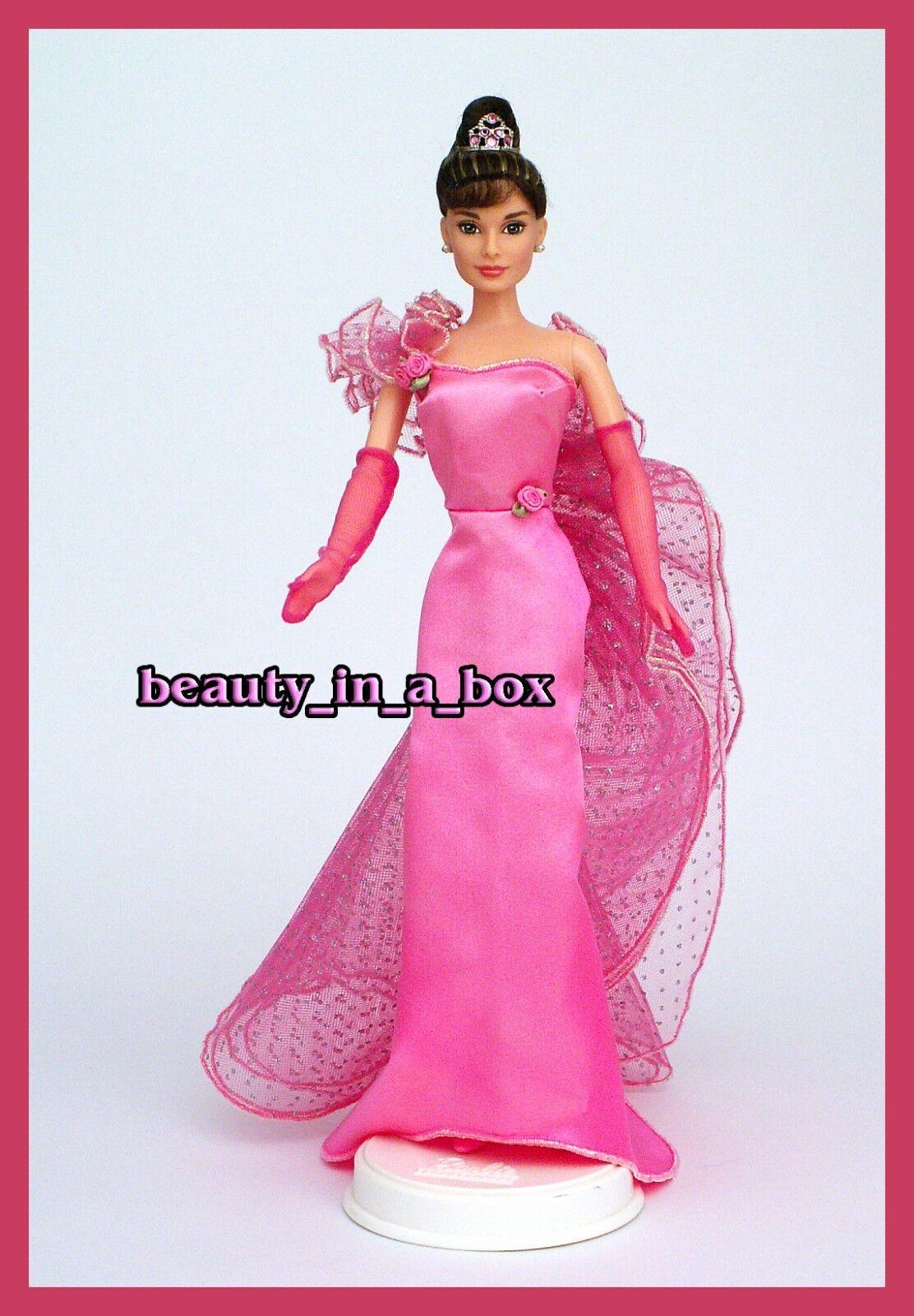 Audrey Hepburn Muñeca Barbie Vestido De Satén rosado uno de una clase de celebridades Reparación Tiara Sin Caja