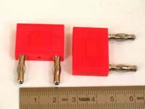 Kurzschlussstecker-4mm-19mm-Abstand-mit-Zusatzkontakt-rot