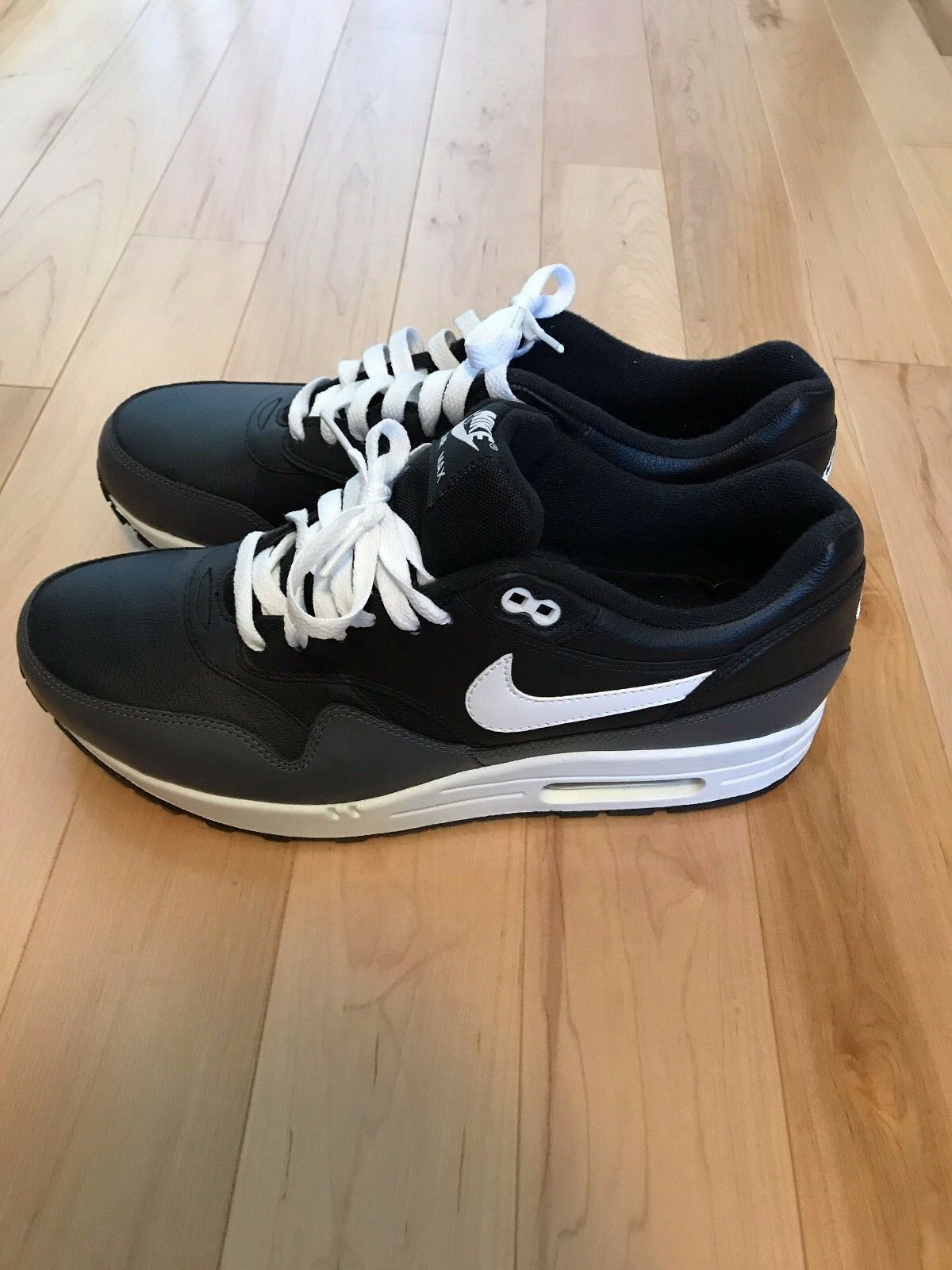 AUTHENTIC Nike Air Max 1 QS Size 10.5 Brand Brand Brand New Unworn Deadstock FREE SHIPPING ef8fbc