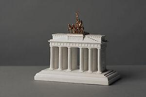 034-Brandenburger-Tor-034-ca-14-cm-Skulptur-kein-Gips-Dekoration-Deko-Kunst-025