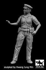 Black Dog 1:35 N.Y. Policewoman - One Resin Figure Kit #F35167