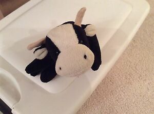 Image is loading DAISY-BLACK-AND-WHITE-COW-original-Ty-Beanie- fb785b9999b8