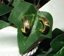 Ohrring Creolen Stecker 14mm teils gemustert Gold plattiert vergoldet dezent C21