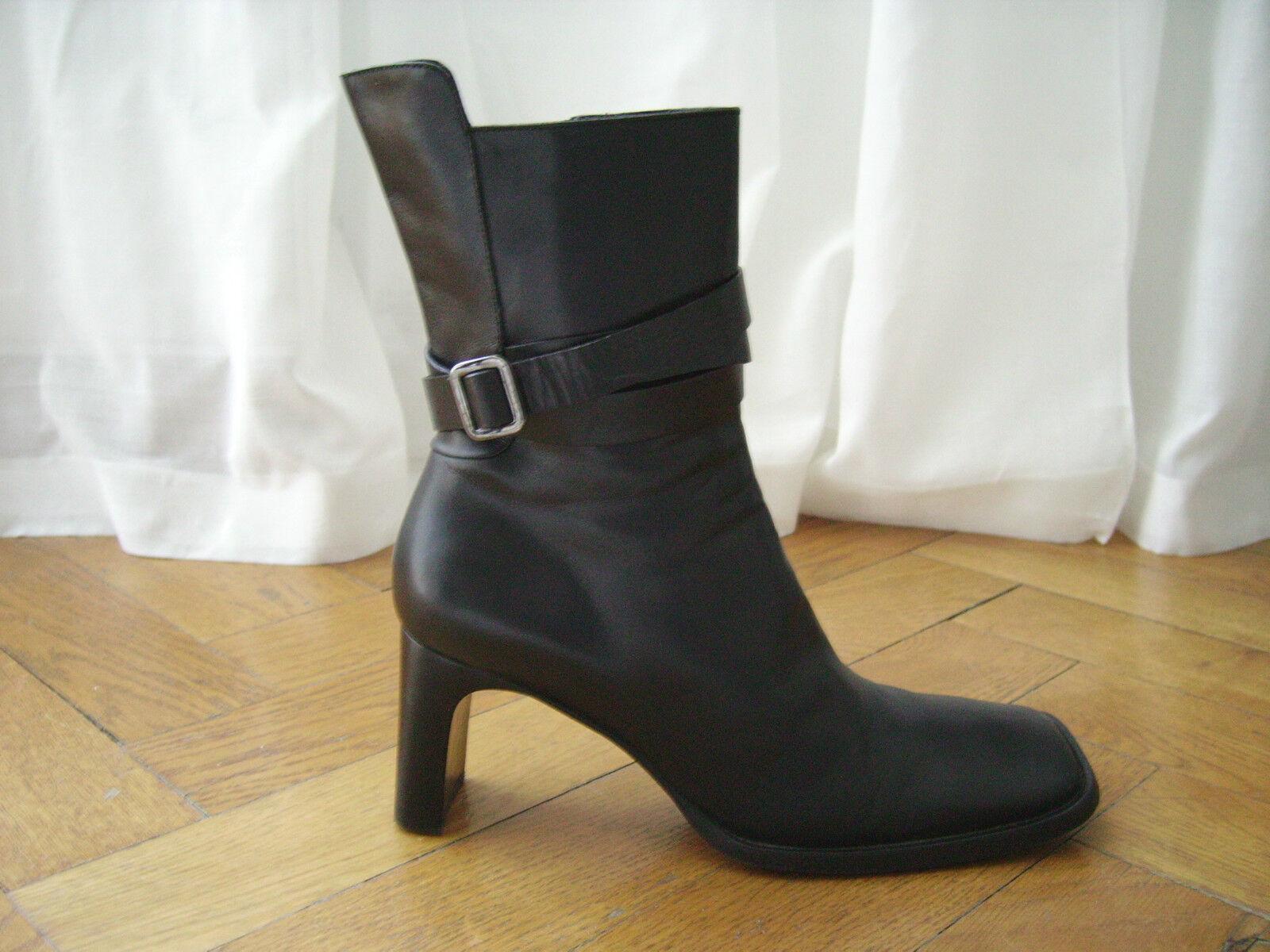 CoSTUME NATIONAL Stiefelette Stiefel schwarz echt Leder Gürtel 40 neuwertig