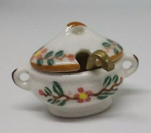 Dolls-House-Miniature-1-12th-Scale-ceramic-floral-lidded-tureen-and-ladle