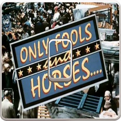 Seuls les fous et les chevaux Interrupteur De Lumière Vinyle Autocollant Décalque Pour Enfants Chambre à coucher #5