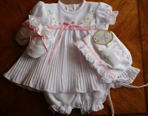 Will-039-beth-Newborn-Baby-Girl-Fancy-Dress-Bonnet-Booties-NWT-Take-Me-home-Sz0