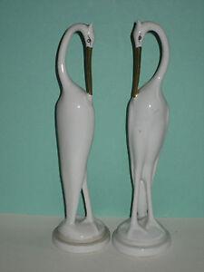 Hollohaza-Hungary-couple-d-039-oiseaux-en-porcelaine