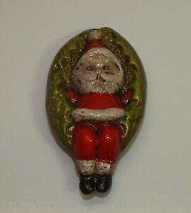 Vintage-Christmas-Decor-SANTA-Sitting-in-WREATH-Ceramic-Ornament