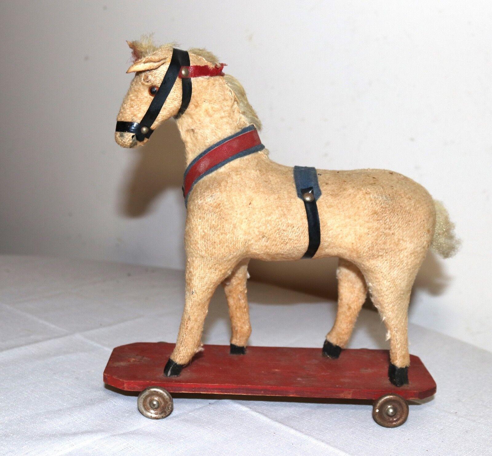 Antiguo Hecho a Mano Madera Tallada Figural tire de juguete de hojalata Mohair Caballo Vintage scultpure