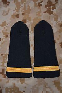 E025-passant-pattes-d-039-epaule-epaulettes-fourreaux-insigne-militaire-armee-galon